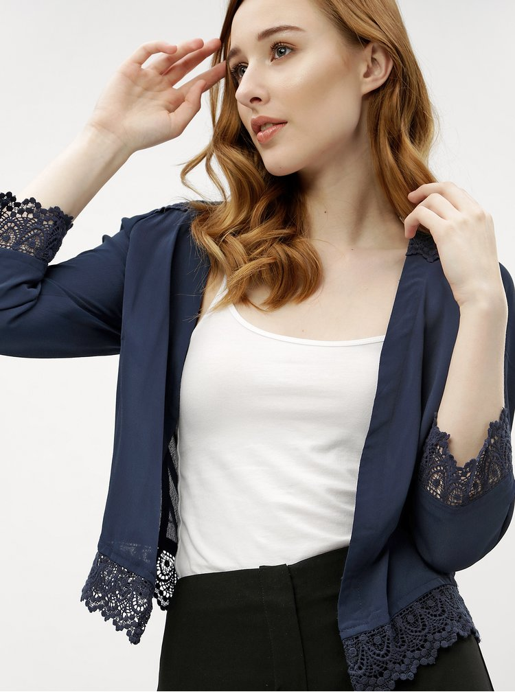 Tmavě modré dámské krátké sako s krajkou M&Co