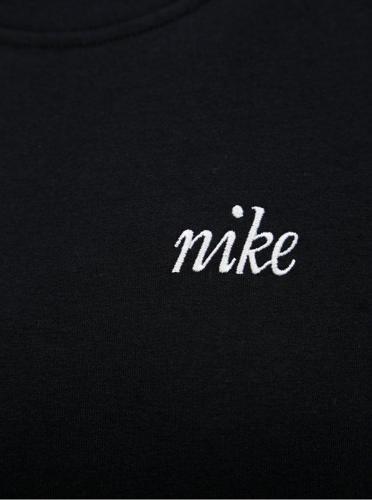 Černé pouzdrové šaty s výšivkou loga Nike