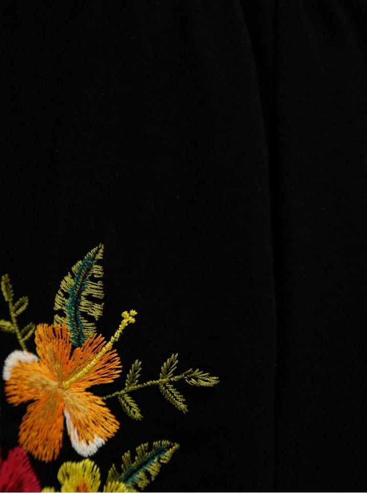 Černé kraťasy s květovanou výšivkou Dorothy Perkins