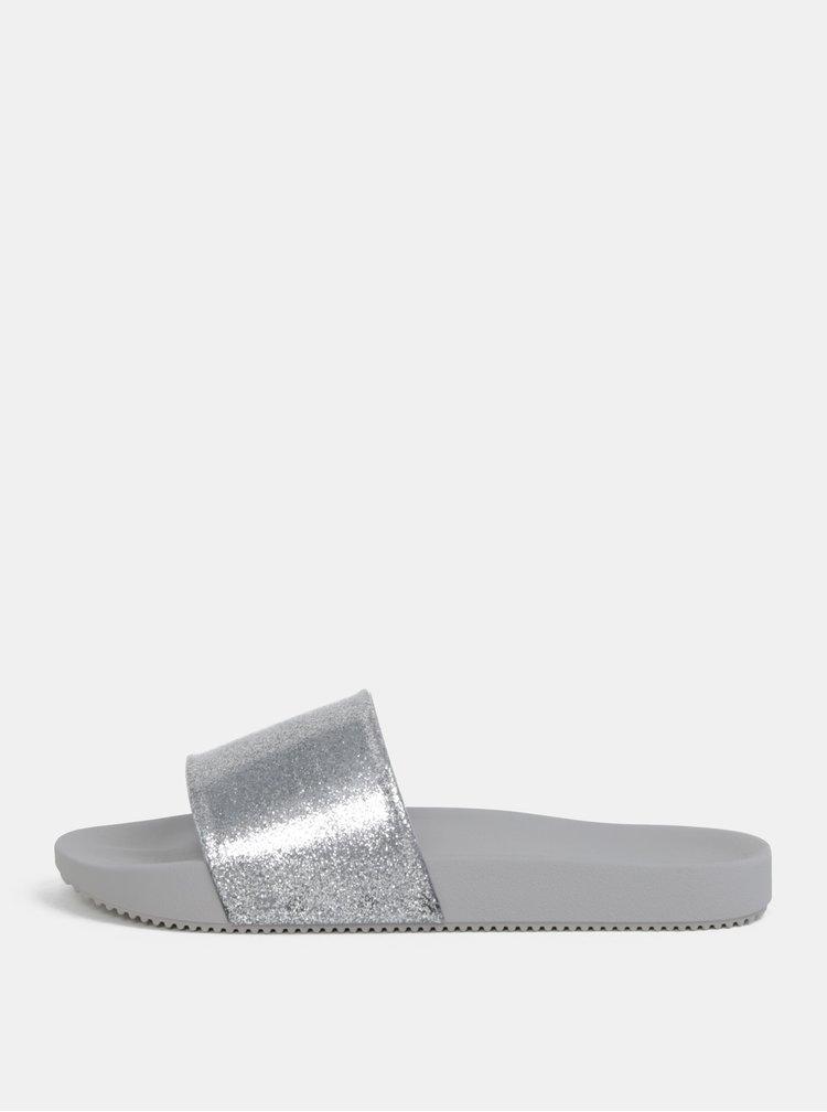 Pantofle ve stříbrné a šedé barvě se třpytivým efektem Zaxy Snap Glitter Slide