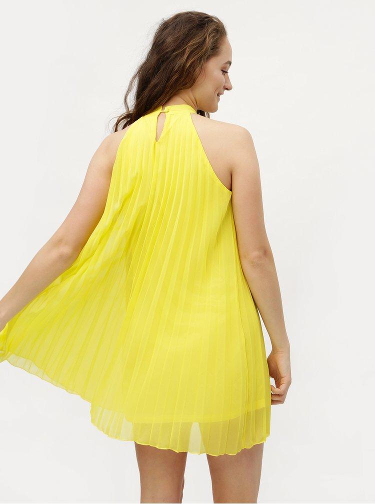 Žluté plisované šaty bez ramínek MISSGUIDED