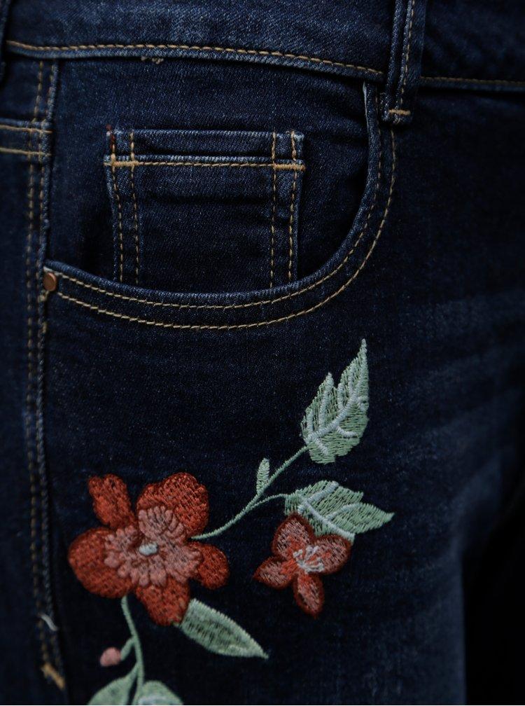 Tmavomodré rifľové kraťasy s výšivkou kvetov Dorothy Perkins Petite