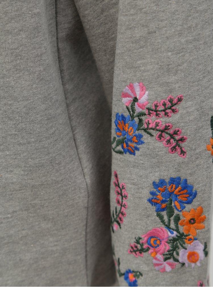 Šedá mikina s vyšívanými květy na rukávech Noisy May Taddi