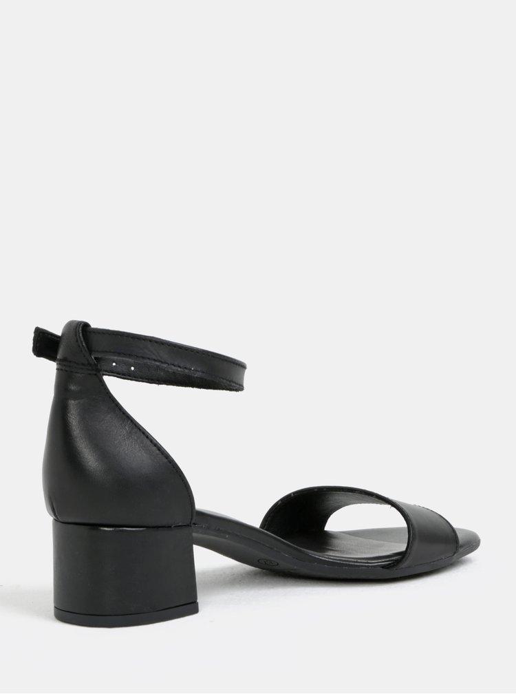 Čierne kožené sandálky na podpätku Tamaris