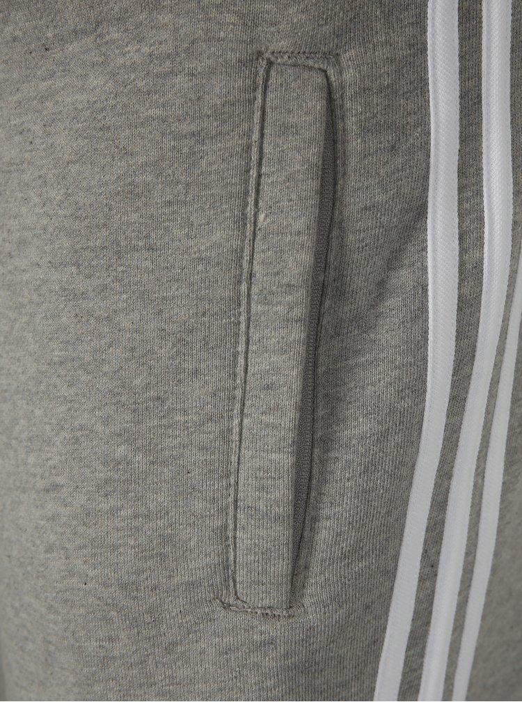 Sivé pánske teplákové kraťasy adidas Originals