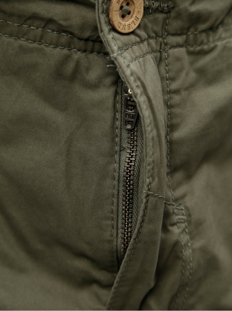 Pantaloni scurti kaki cu curea si buzunare Blend
