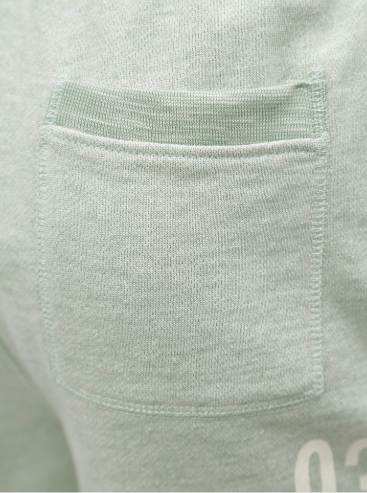 Zeleno-šedé teplákové kraťasy s potiskem Blend