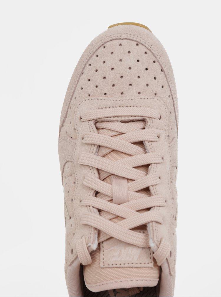 Světle růžové dámské semišové tenisky Nike Internationalist