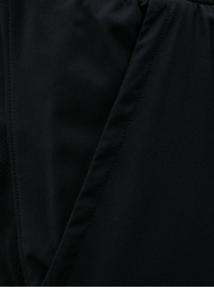 Černé pánské funkční kraťasy Under Armour