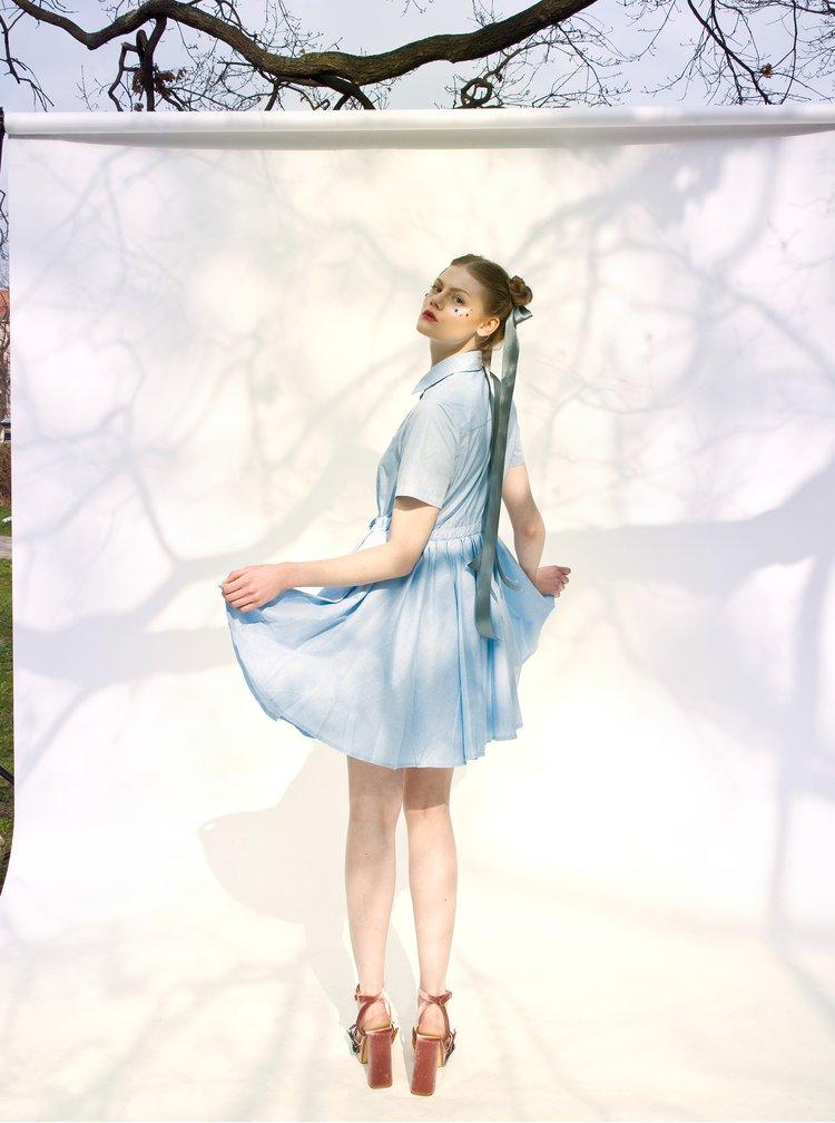 Světle modré košilové šaty La femme MiMi