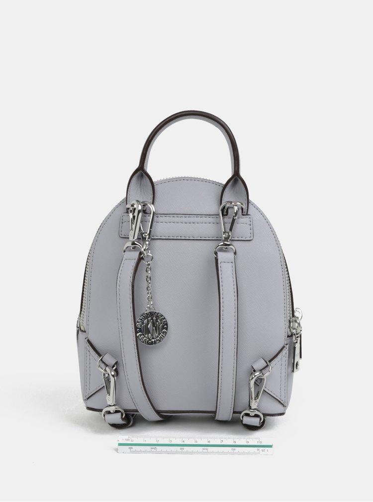 Světle šedý kožený batoh DKNY Bryant
