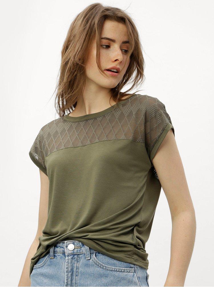 Khaki tričko se síťovaným sedlem a zádami Jacqueline de Yong Renee