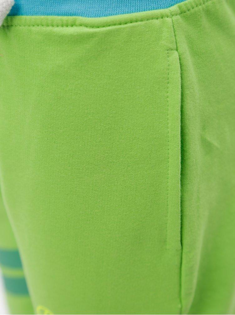 Zelené klučičí kraťasy 5.10.15.