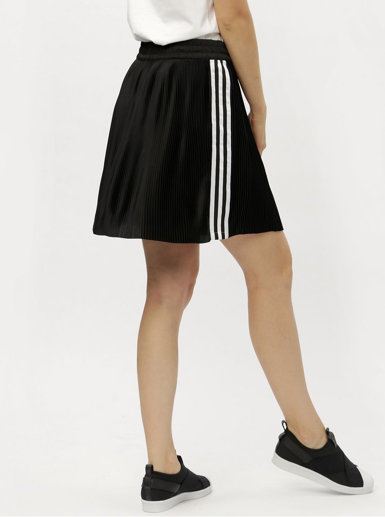 Černá plisovaná sukně s pruhy adidas Originals