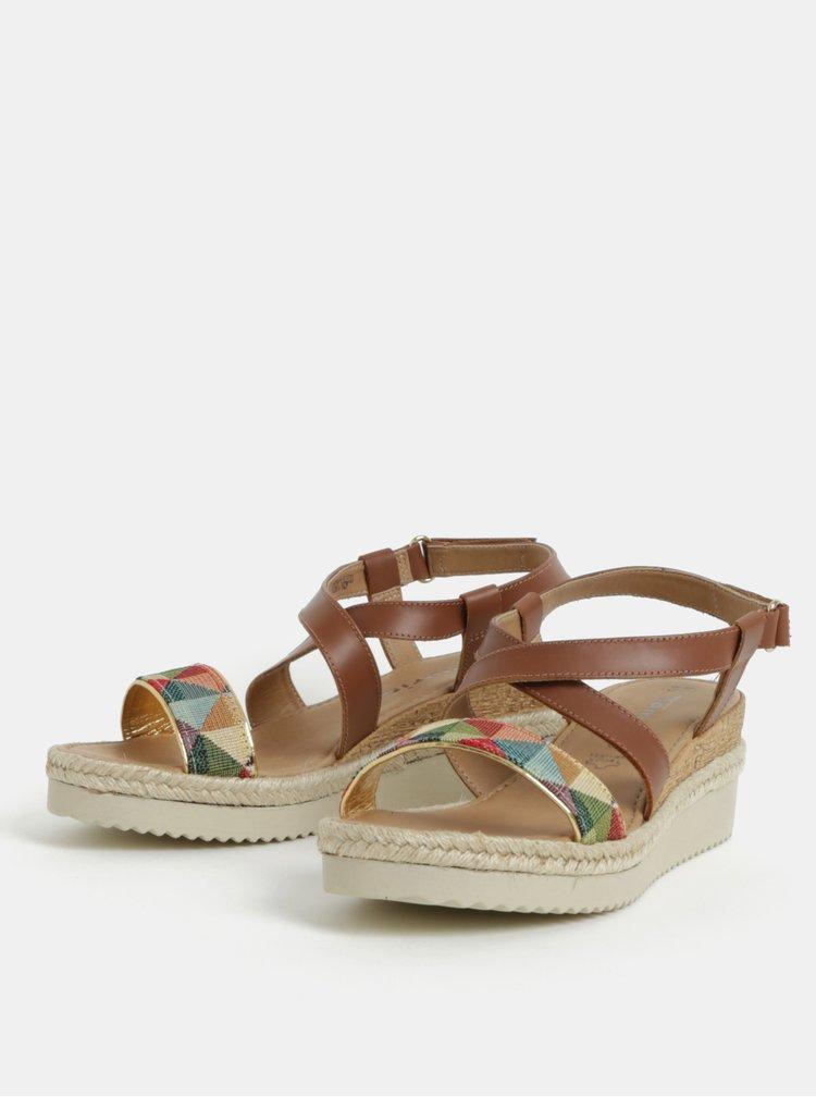 Hnedé kožené sandálky na plnom podpätku s farebným vzorom Tamaris