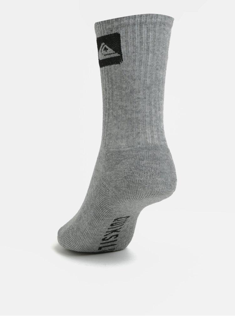 Sada tří párů klučičích ponožek v černé, šedé a bílé barvě Quiksilver