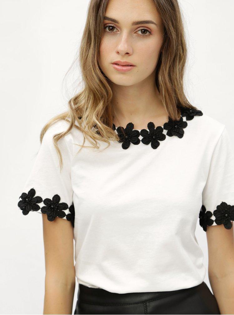 Bílé tričko s krajkovými detaily Dorothy Perkins