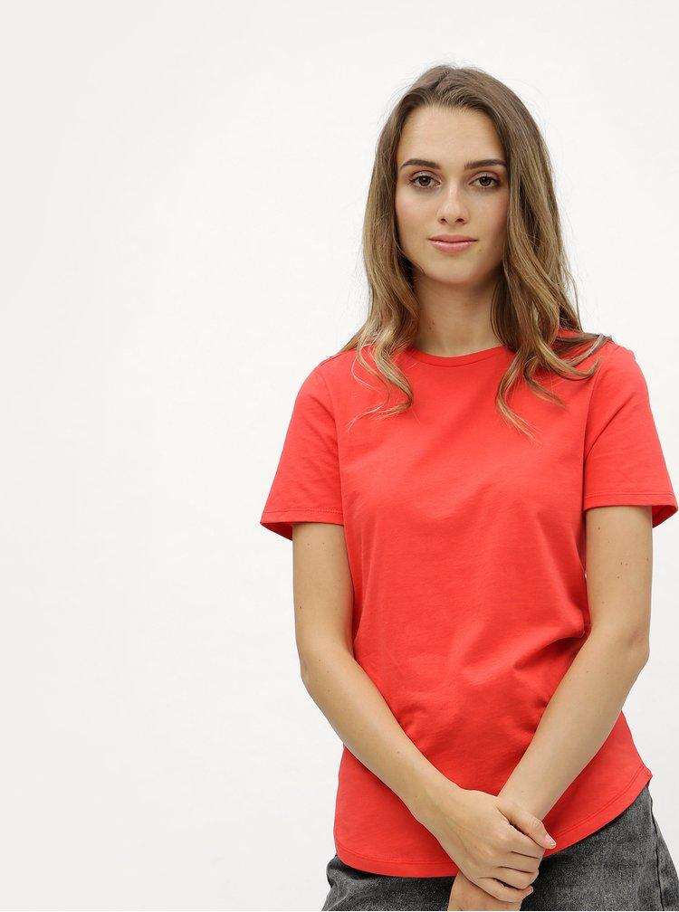 Červené tričko s detaily ve zlaté barvě Dorothy Perkins