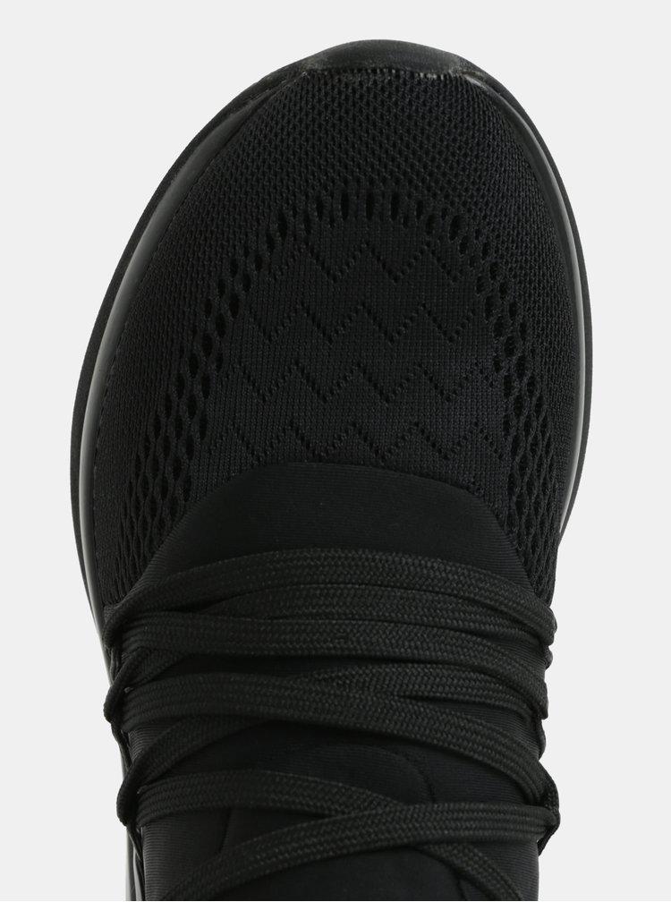 Černé tenisky na klínku Tamaris