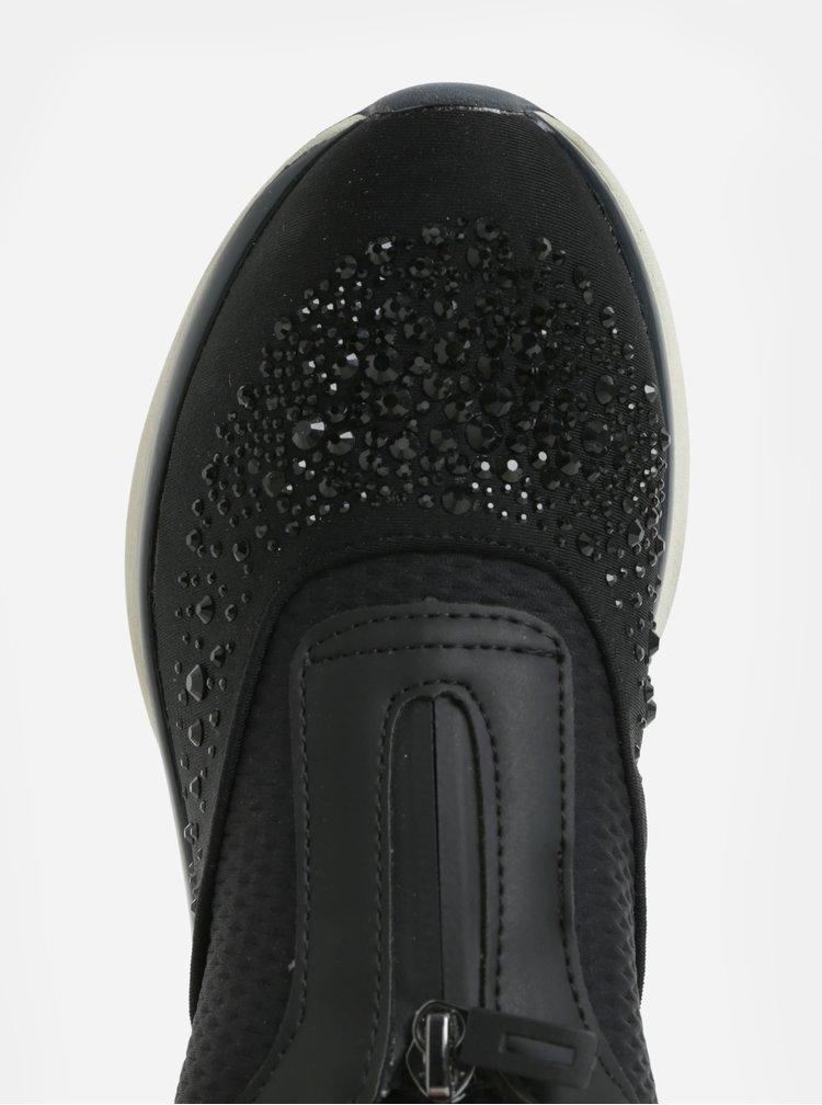 Černé tenisky s aplikací kamínků Tamaris