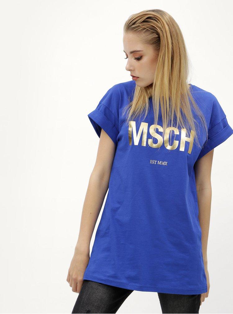 Modré volné tričko s potiskem ve zlaté barvě Moss Copenhagen