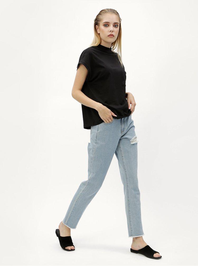 Černé tričko s náprsní kapsou Noisy May Sia