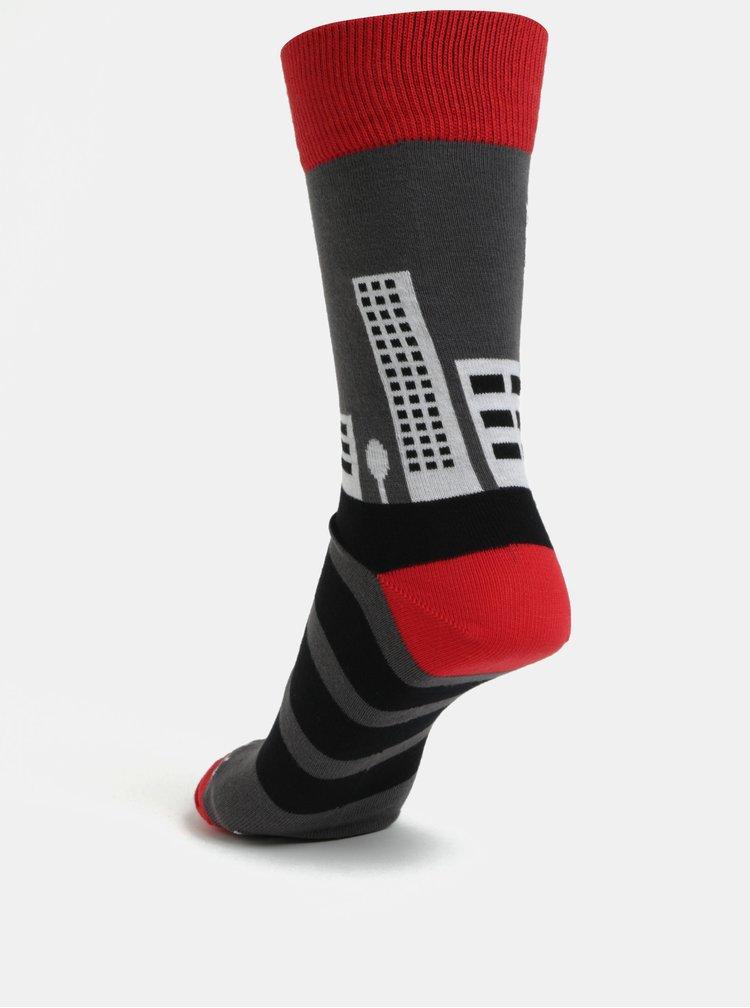 Červeno-šedé unisex ponožky Fusakle Pééétržka