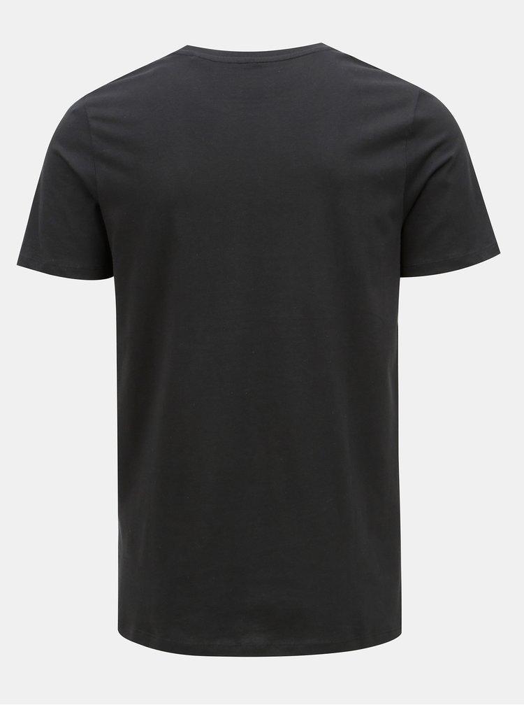 Černé tričko s potiskem & Jones