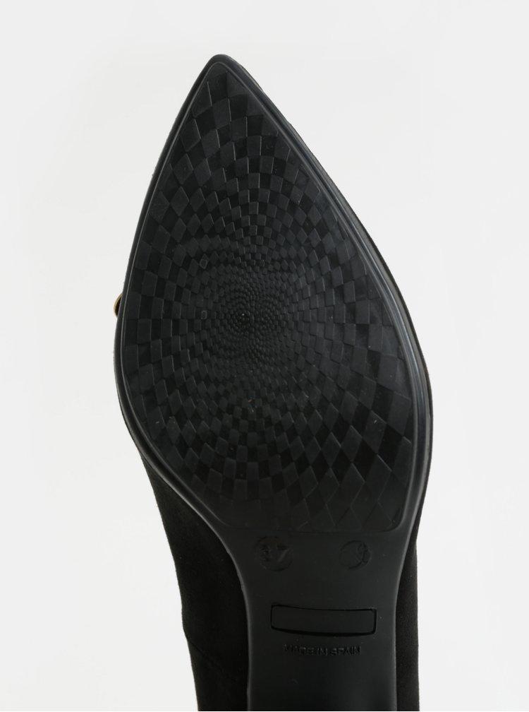 Černé lodičky v semišové úpravě s ozdobou OJJU