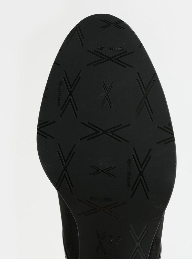 Černé polobotky v semišové úpravě na podpatku OJJU