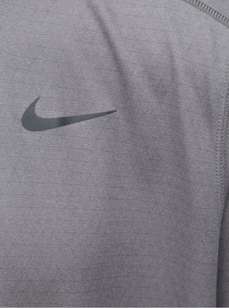 Šedé pánské funkční tričko s krátkým rukávem Nike