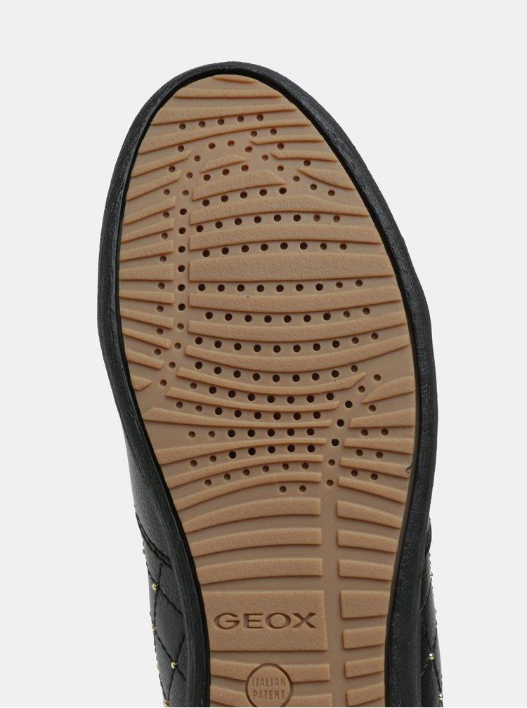 Černé kotníkové tenisky s detaily ve zlaté barvě Geox Myria