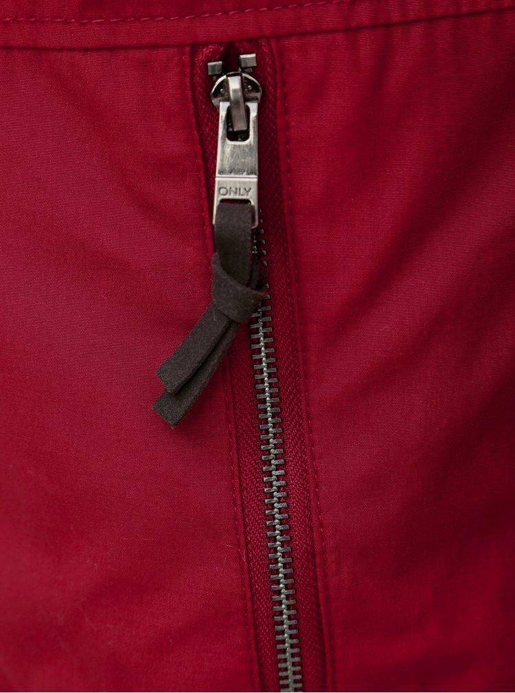 Červená bunda s kapucí a odnímatelným kožíškem ONLY