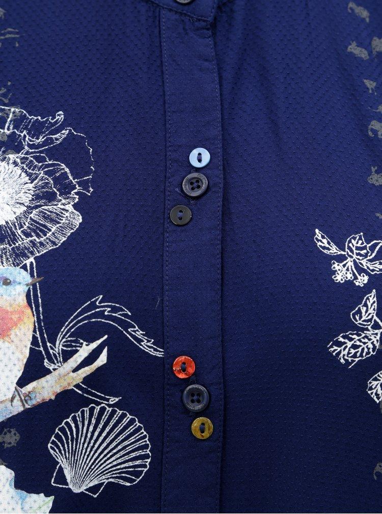 Tmavomodrá košeľa s potlačou a predĺženým zadným dielom Desigual Francis
