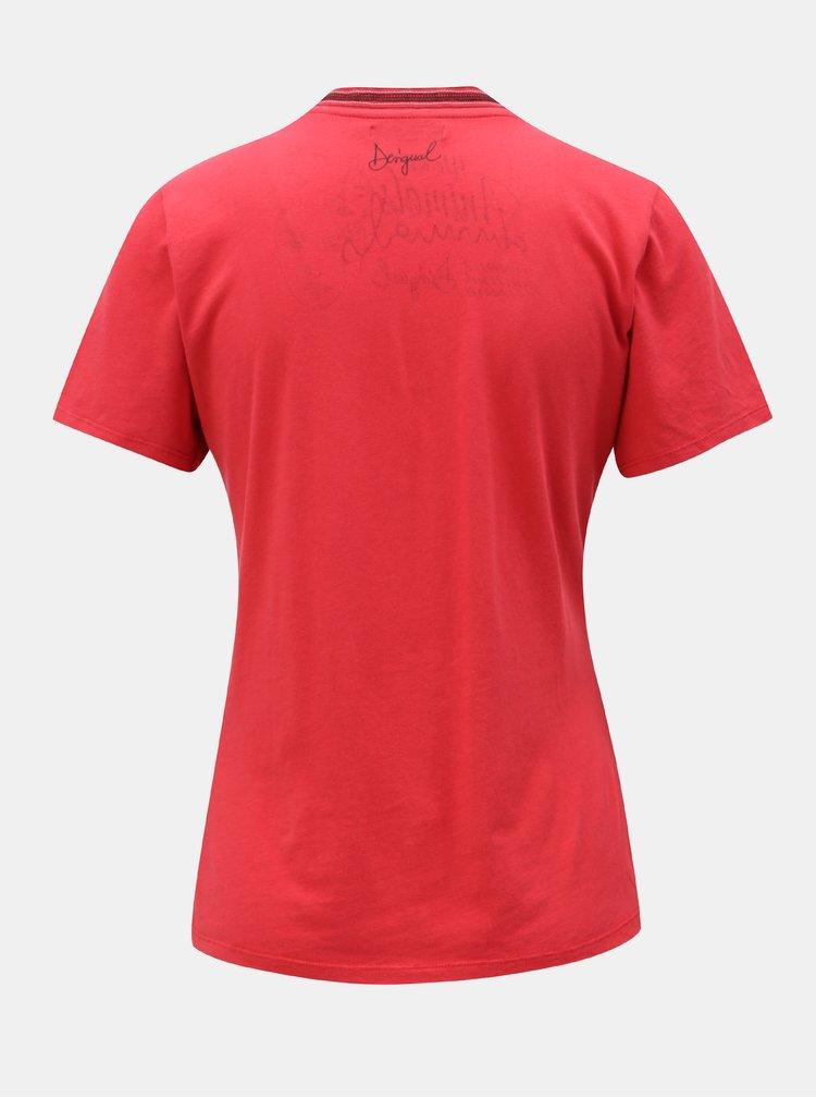 Tricou rosu cu print Desigual