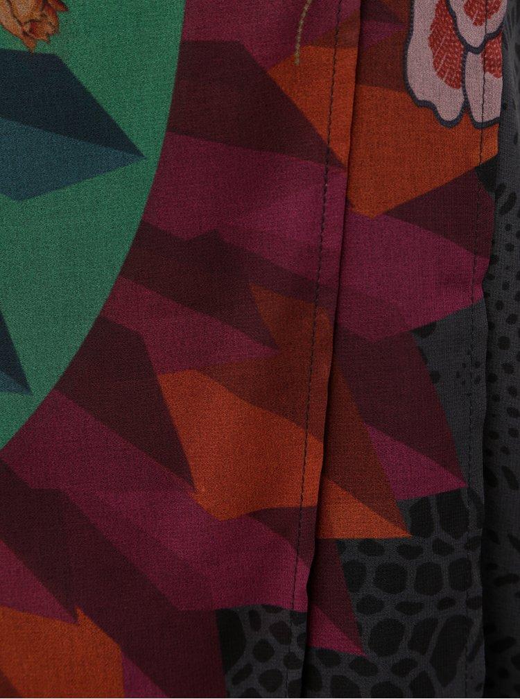 Zeleno-šedé vzorované šaty s překládanou přední částí Desigual