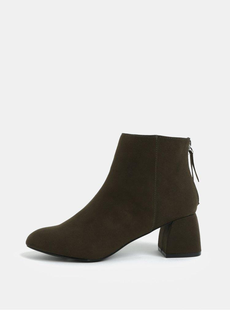 Khaki kotníkové boty v semišové úpravě a na podpatku Pieces Daja
