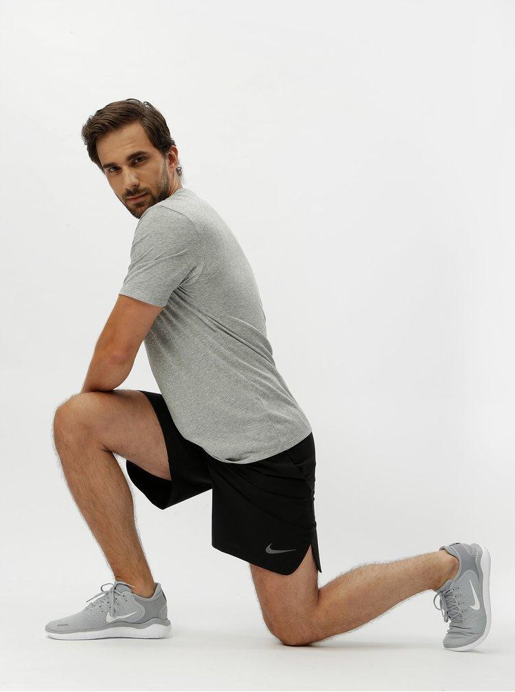 Pantaloni barbatesti scurti sport negri cu buzunare Nike