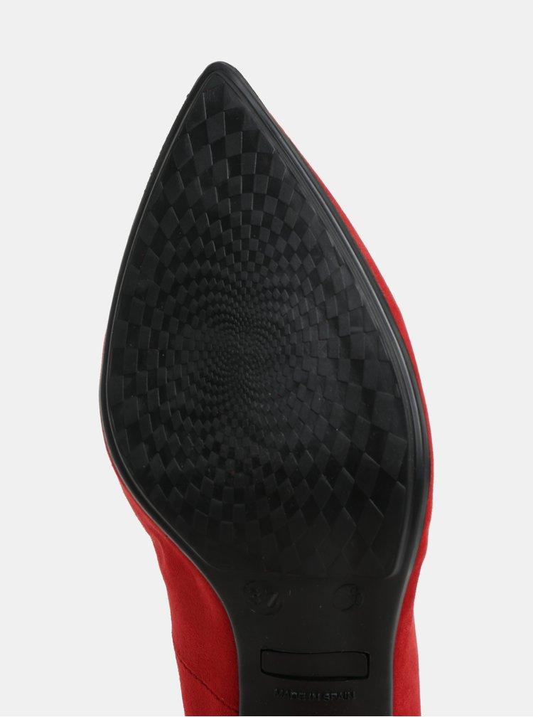 Červené lodičky v semišové úpravě na širokém podpatku OJJU