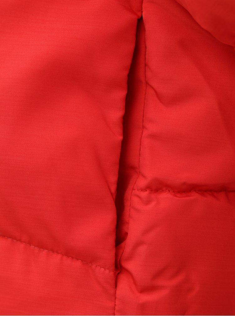 Červená puffa s kapucí ONLY