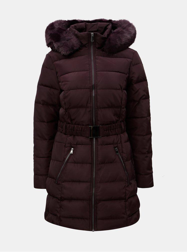 Vínový zimní prošívaný kabát s odnímatelným páskem a umělou kožešinou Dorothy Perkins