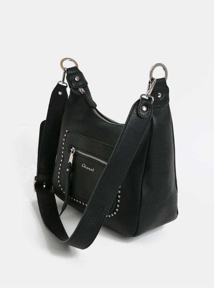 Černá crossbody kabelka s detaily ve stříbrné barvě Gionni