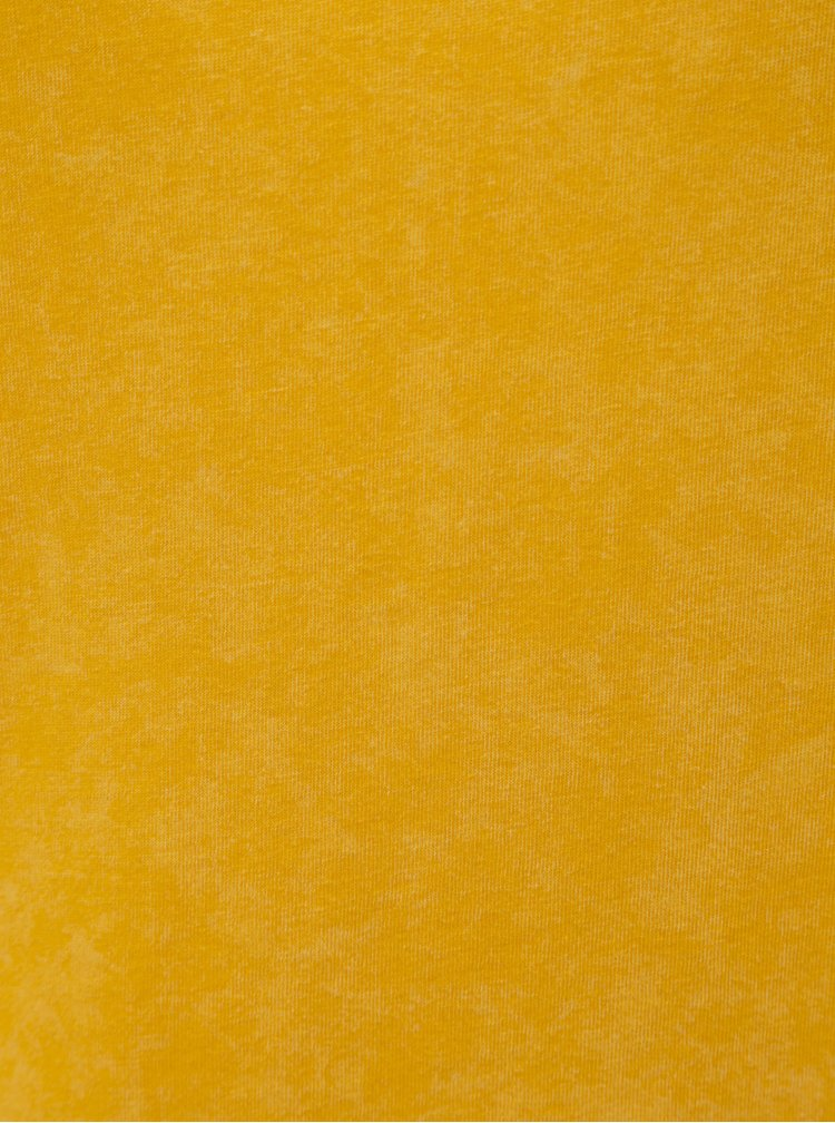 Žluté šaty s krátkým rukávem a šněrováním na zádech Noisy May