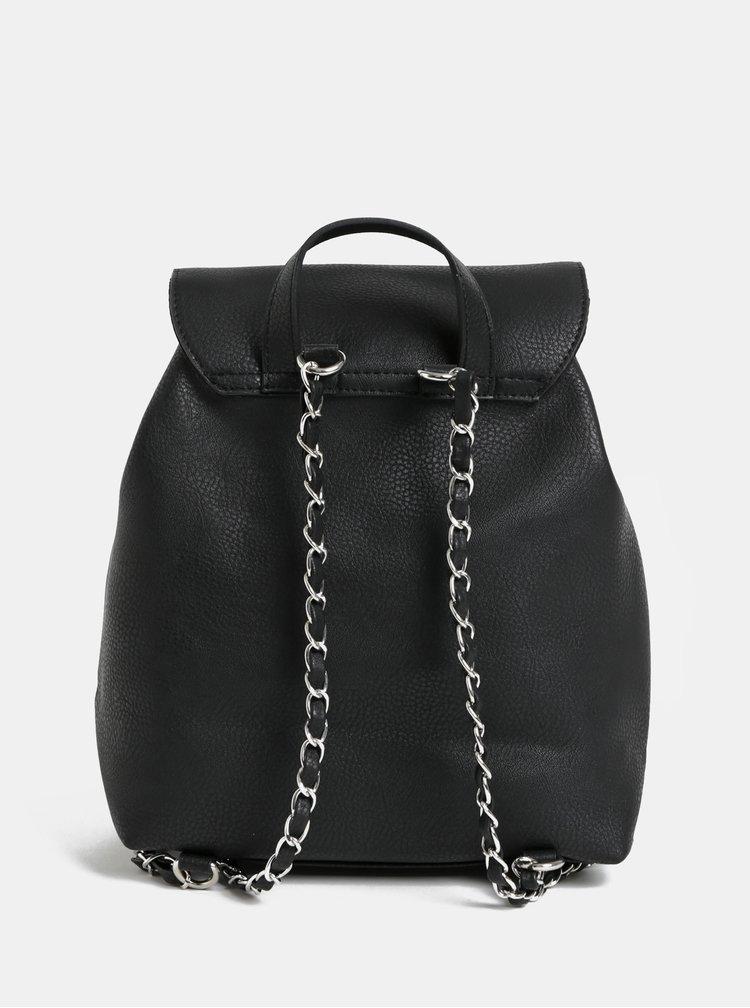 Černý batoh Pieces