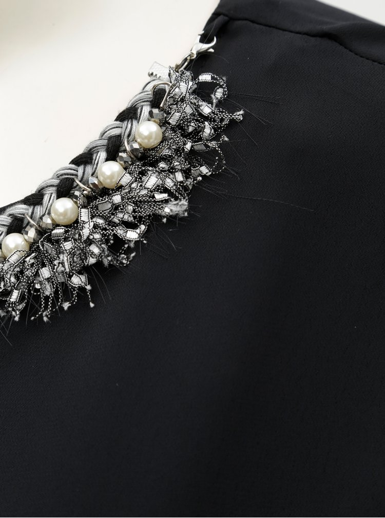 Bluza neagra cu decoratie la gat Dorothy Perkins