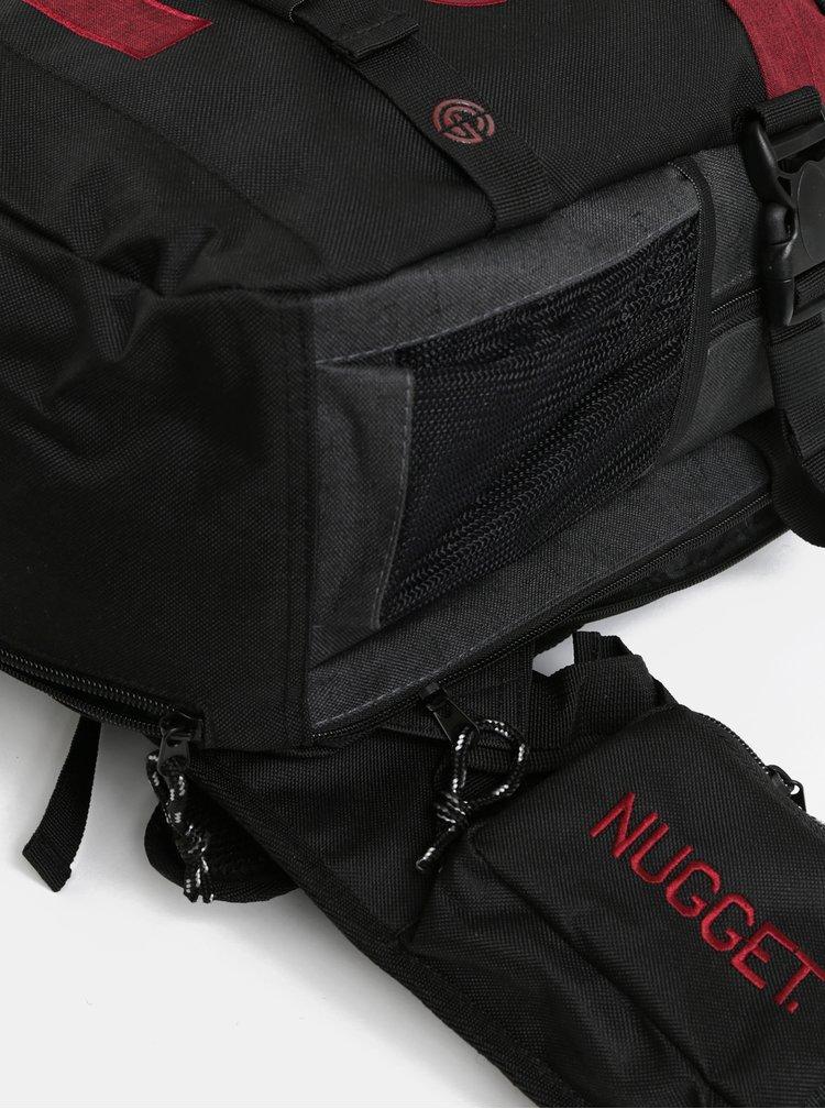 Červeno-šedý batoh s odnímatelným bederním popruhem a pláštěnkou NUGGET 30 l