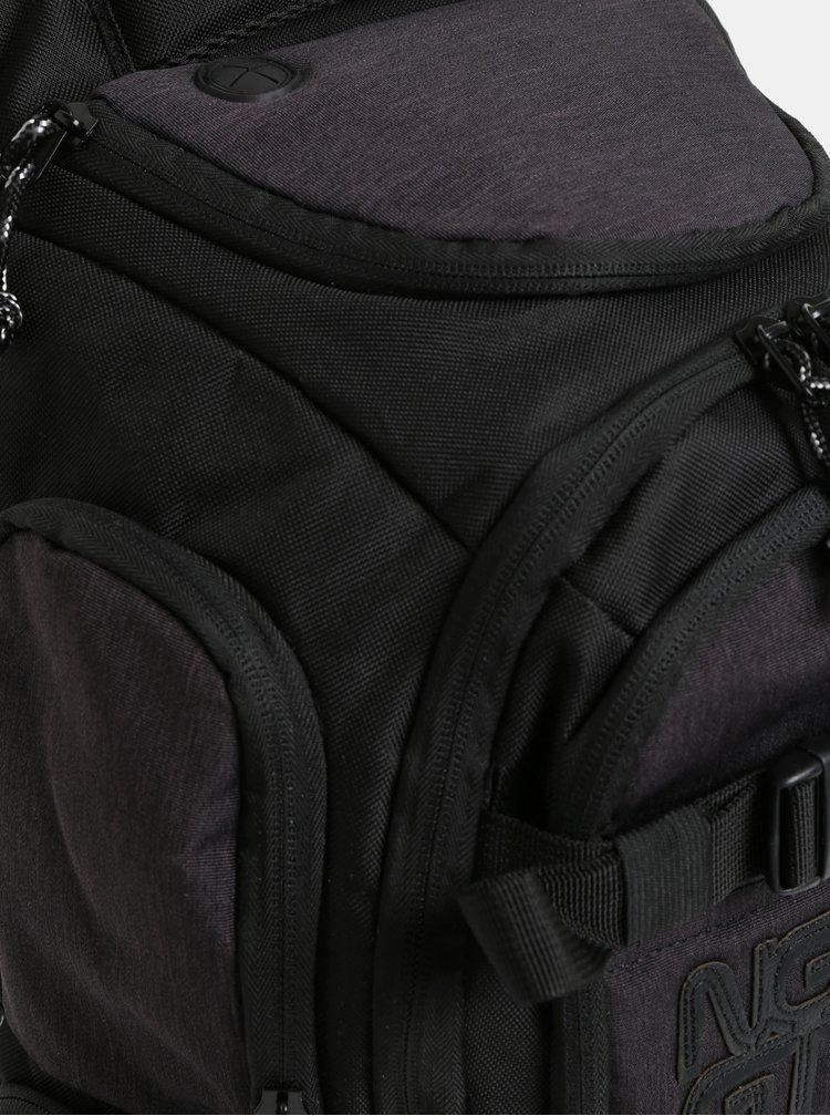 Černo-šedý batoh s nášivkou NUGGET 28 l