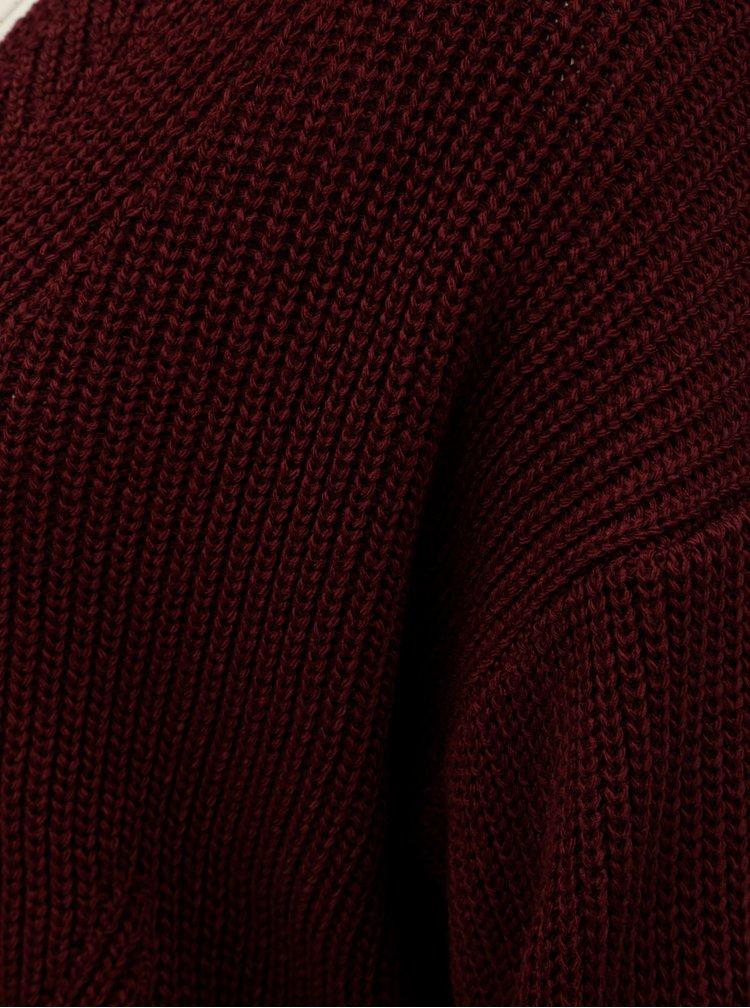 Vínový svetr s véčkovým výstřihem a volnými rukávy Miss Selfridge