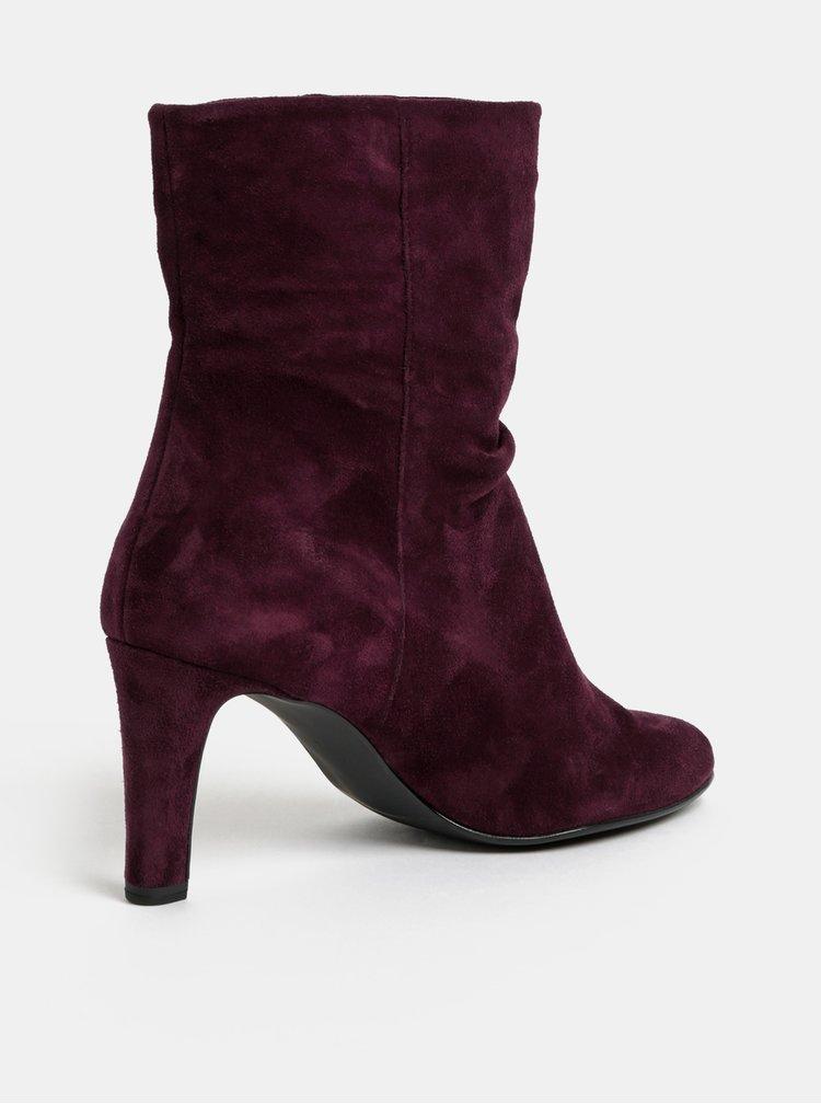 Tmavě fialové semišové kotníkové boty na podpatku Högl
