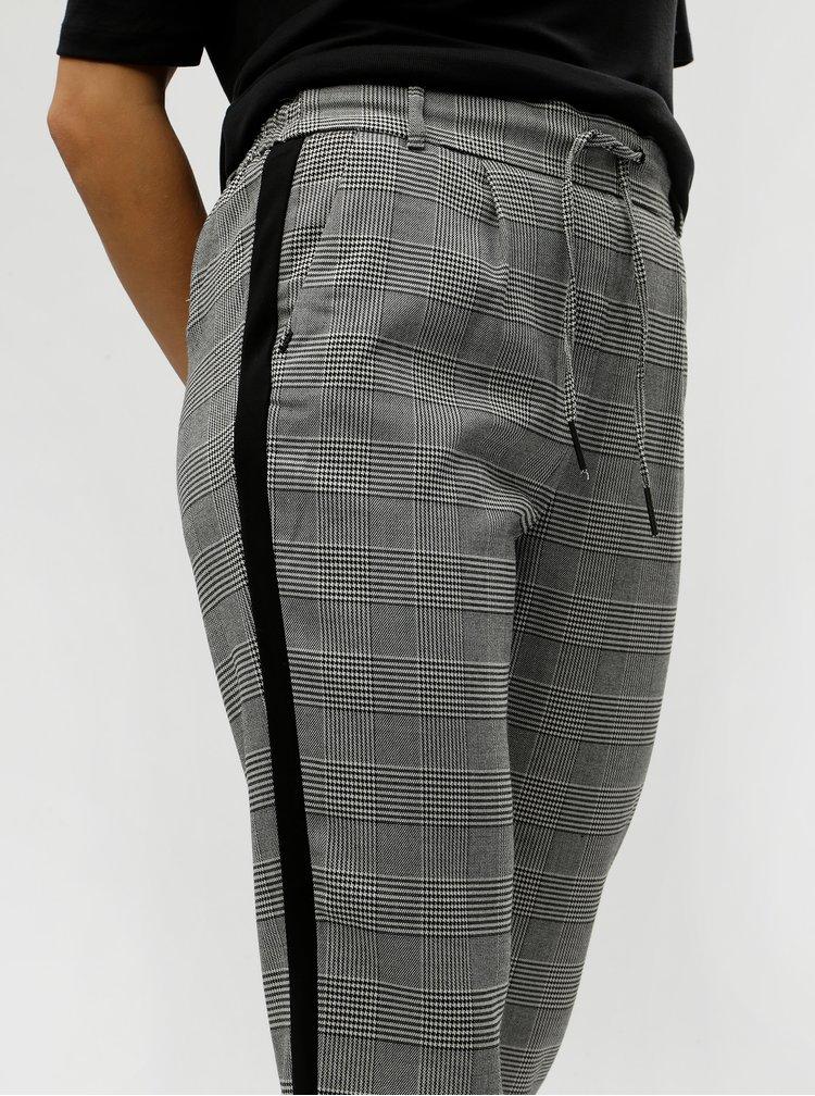 Sivé skrátené kockované nohavice s pruhmi ONLY